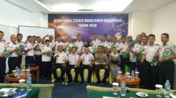 Distribusi 150 buah buku manual GRSP pada acara Bimbingan Teknis Manajemen Kecepatan di Manado pada 4-5 Agustus 2016